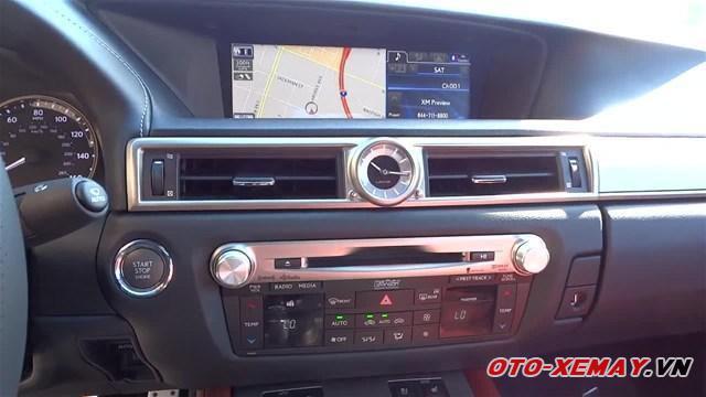 Lexus GS 350 sở hữu khoang nội thất tinh xảo